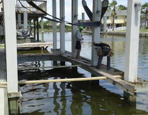 Boat lift Sales Repairs Galveston Texas